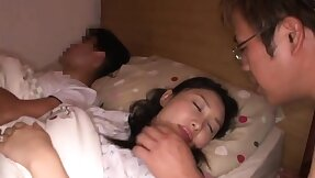 Accustom oneself to up Asian sex scene with cunt just about her dick